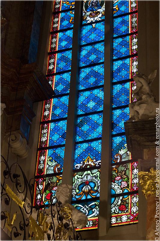 Витраж в костеле Св. Иоаннов