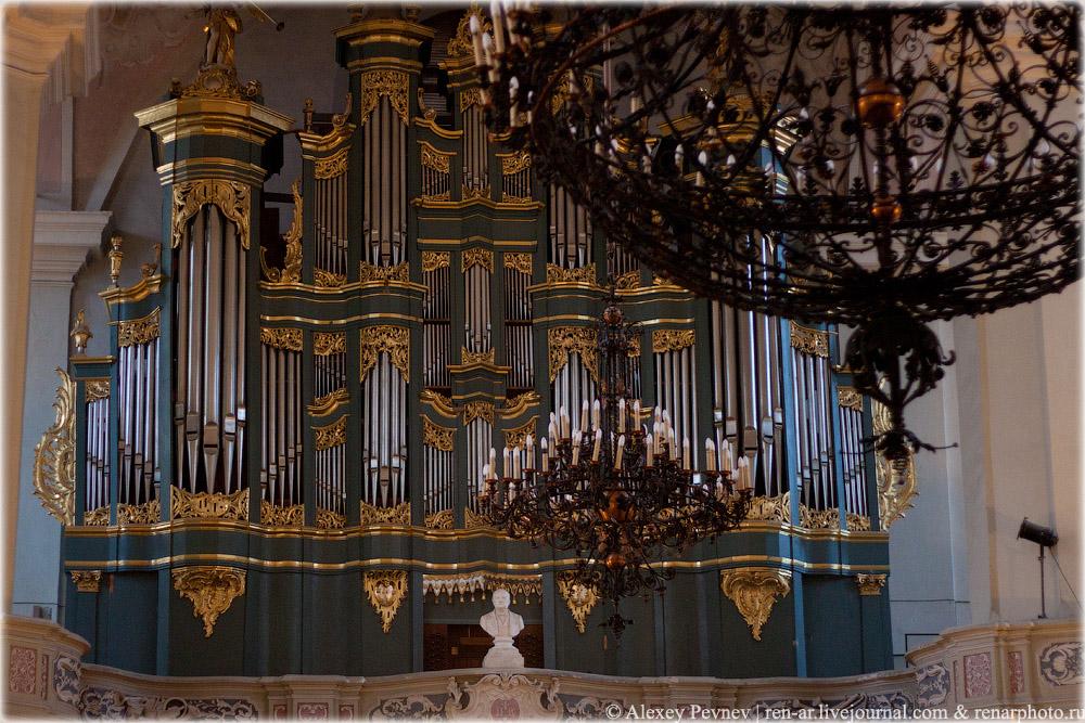 Орган в костеле Св. Иоаннов