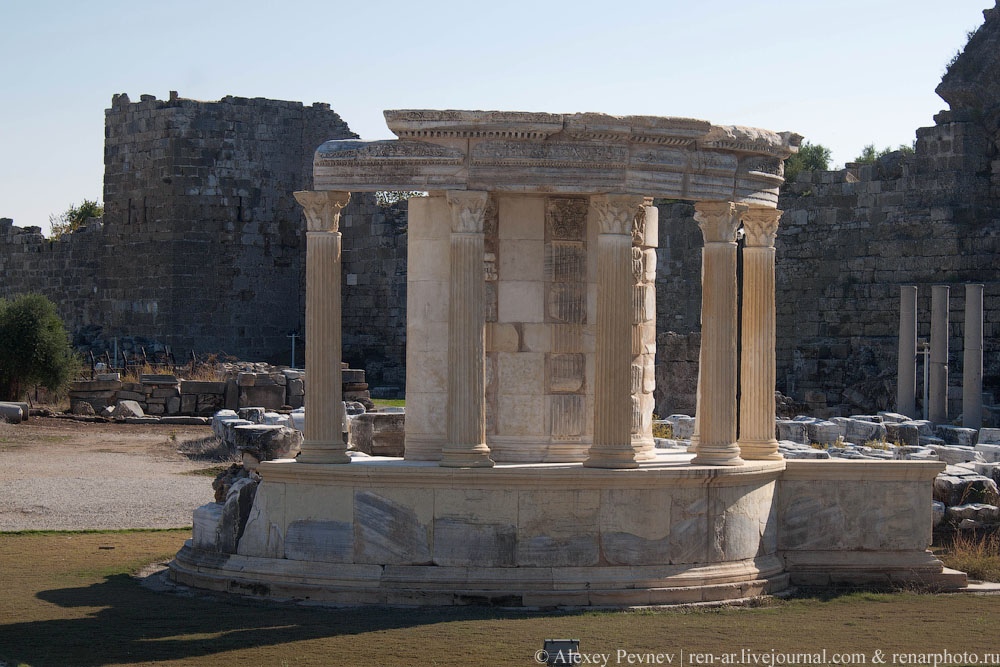 Храм богине Тюхе
