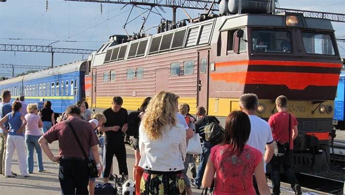 Разговоры жинок и хлопцев в потяге Москва - Львов