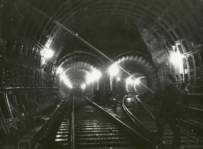 Почему в Москве строят метро быстрее?