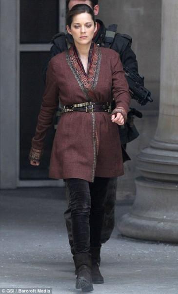 marion-cotillard-talia-al-ghul-the-dark-knight-rises-2011-set-01