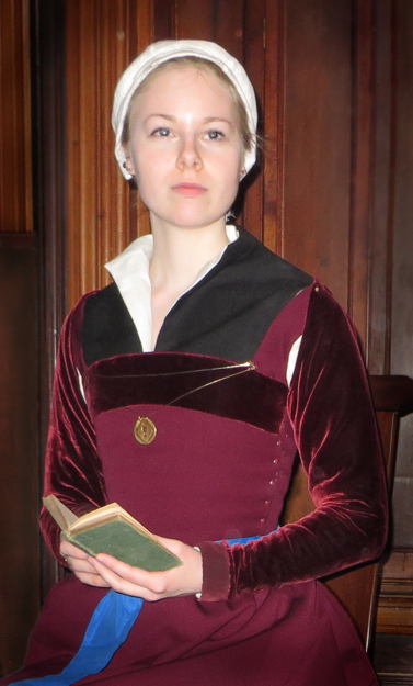 The One-Week Tudor Kirtle: peryn_wn — LiveJournal