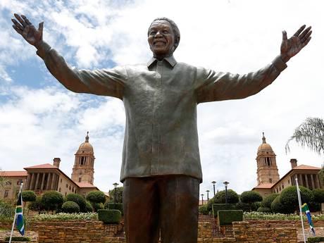 Nelson+Mandela+statue