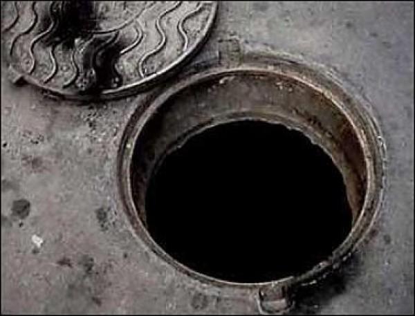 Люк канализации
