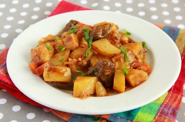 Соус с картошкой луком и морковью