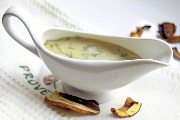 Грибы белые сушеные соус