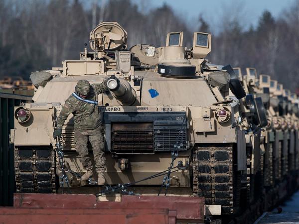 НАТО отправляет на границу с Крымом 37 тысяч военных. Кто то сомневался?