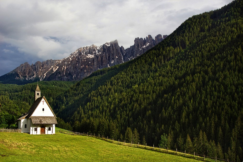 Италия, Доломиты, Альпы, Часовня, Вельшнофен