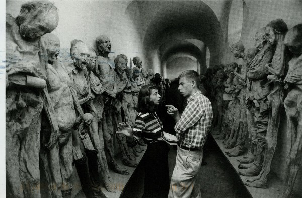 US2054628 Austin, TX, USA, web - mummies in Guanajuato, Mexico, 1957, Elliot Erwitt