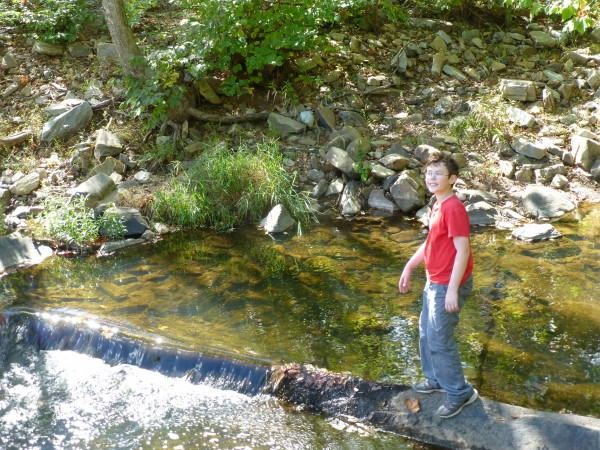 P1180465 JM in the creek 40%