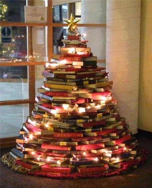 Xmas Tree of Books