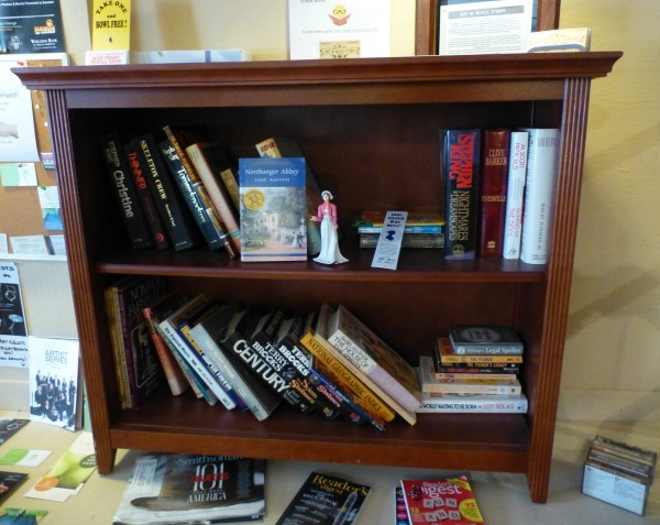 P1350614 Bookcase LFL, cropped 40%.jpg