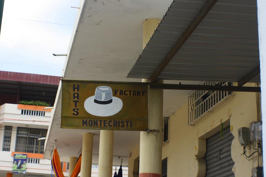 вывеска магазина шляп