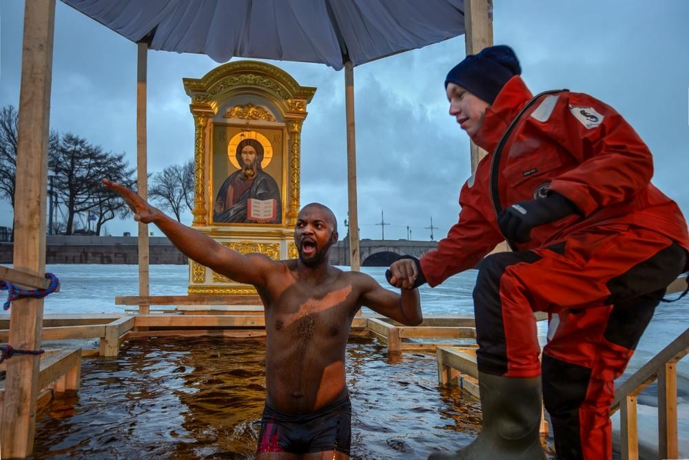Крещение прорубь смешные картинки, поздравлений юбилеем
