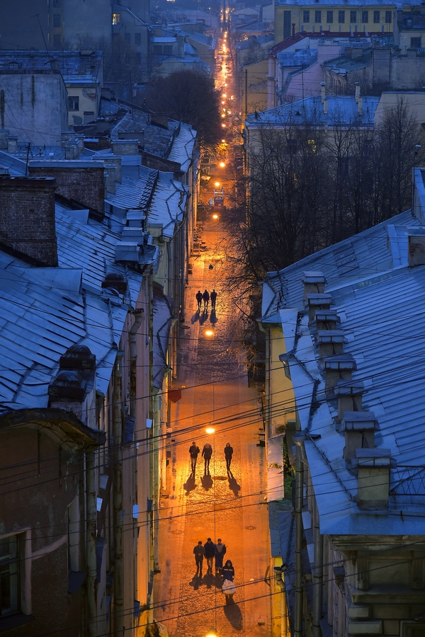 http://ic.pics.livejournal.com/petrosphotos/13786219/513674/513674_original.jpg