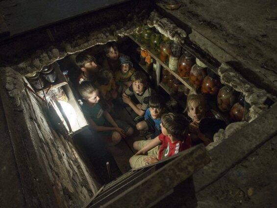 1111111111 Дети в Славянске прячутся в подвале
