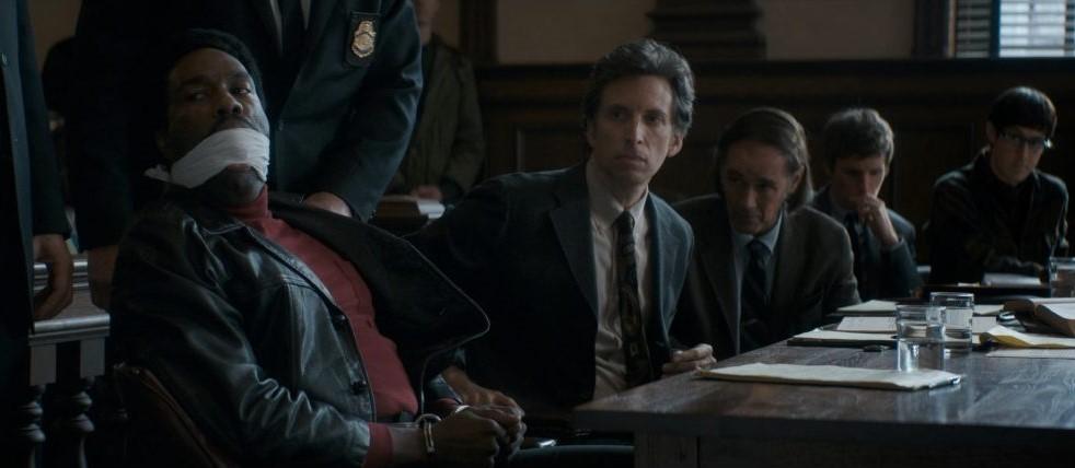"""Кадр из фильма """"Суд над чикагской семёркой"""""""