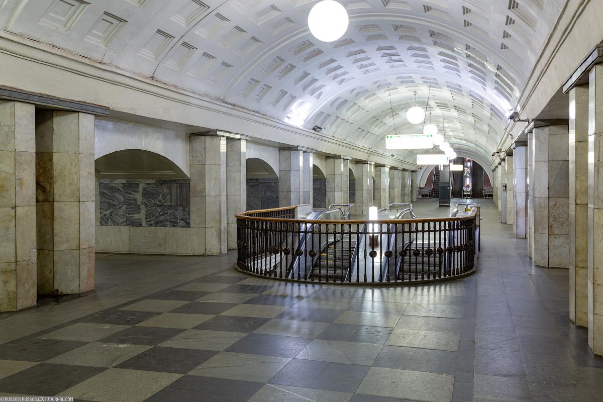 """Станция """"Охотный ряд"""", до 1990 года — """"Проспект Маркса"""""""