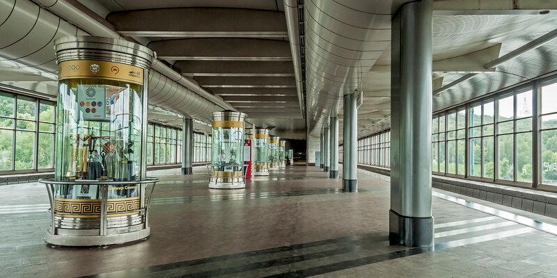 """Станция """"Воробьёвы горы"""", до 1999 года — """"Ленинские горы"""""""
