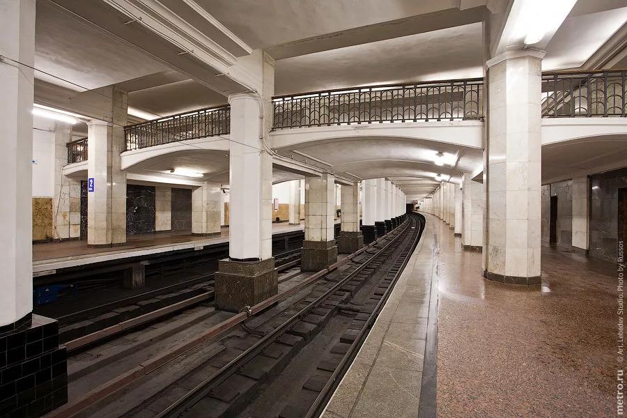 Имени Коминтерна/Калининская/Воздвиженка/Александровский сад — с сайта metro.ru