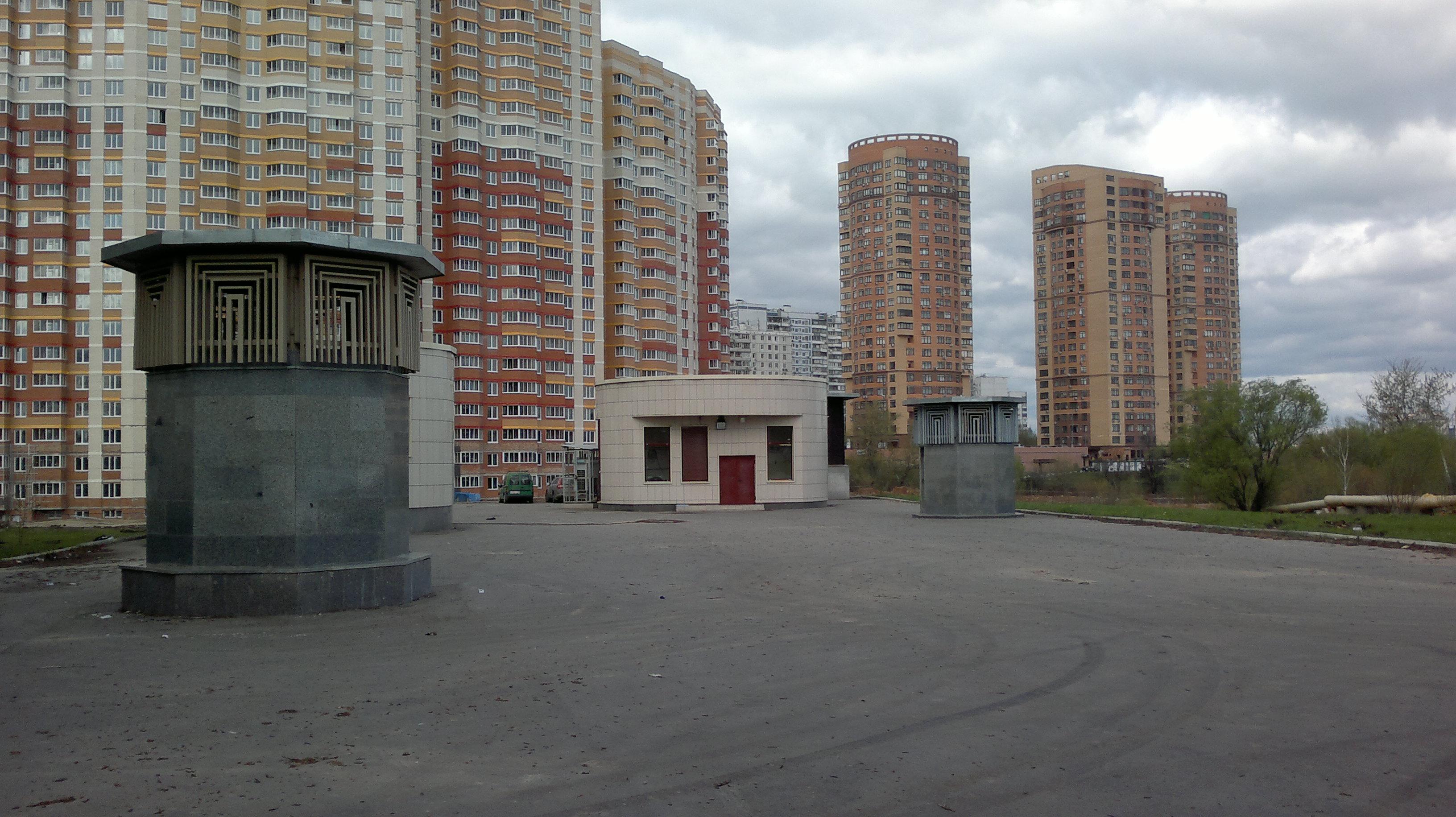 """Выход на поверхность со станции """"Троице-Лыково"""""""