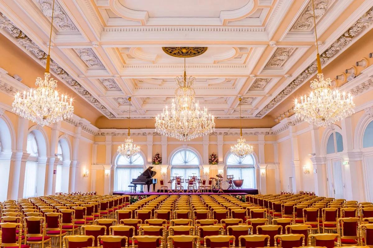 Зал венского Курсалона
