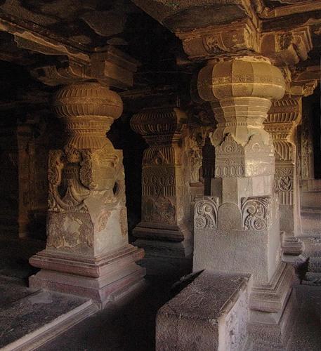 Эллора. Джайнский храм Индра Сабха