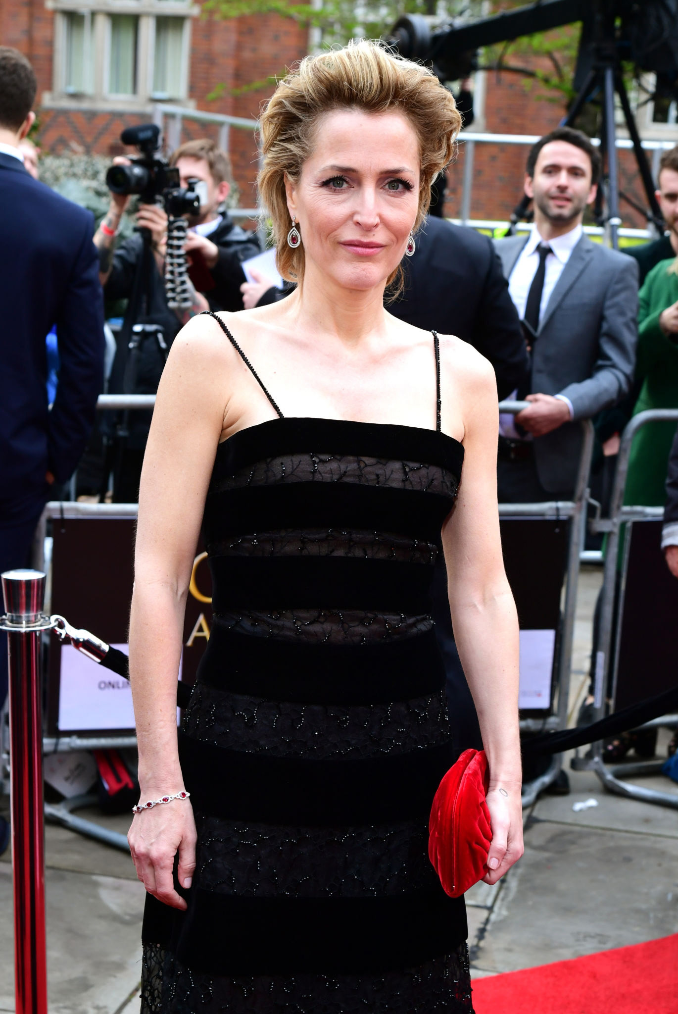 Gillian Anderson At The Olivier Awards Philiater1