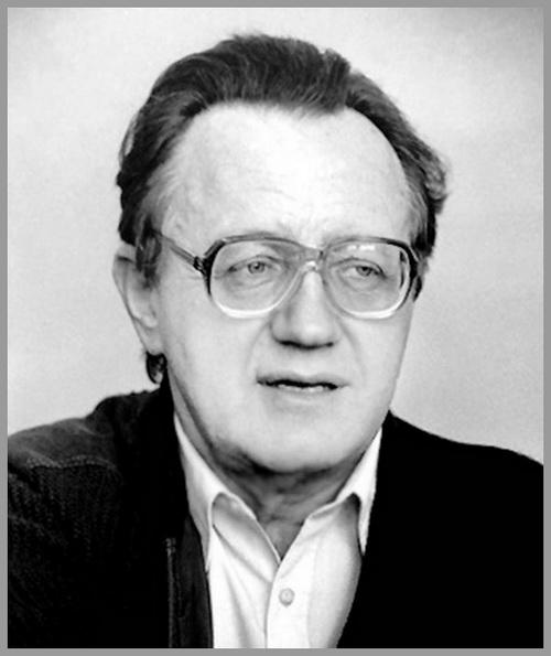 Але́сь (Алекса́ндр) Миха́йлович Адамо́вич