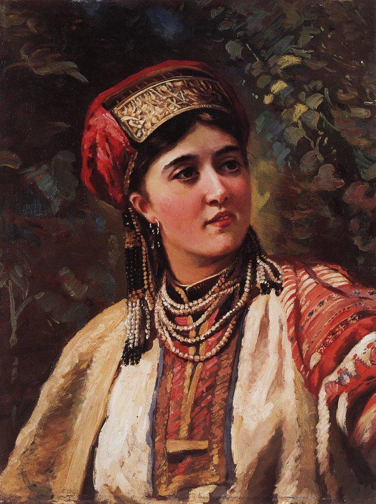 Девушка в национальном костюме