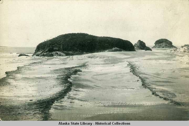 Sand_dunes_on_Bering_Island.jpg