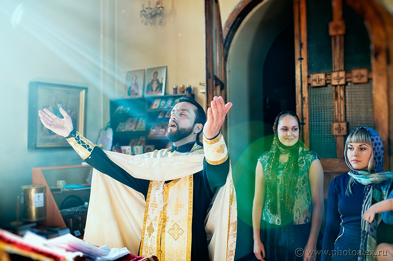 Заказать фотосъемку таинства крещения можно позвонив по телефону 8 903 623 70 19 или по E-mail: Alit70@yandex.ru