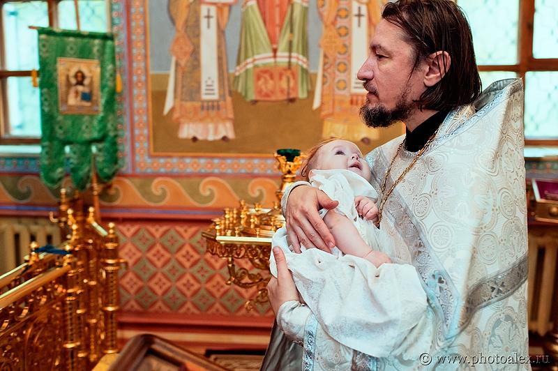 фотосессия крестин в Донском монастыре