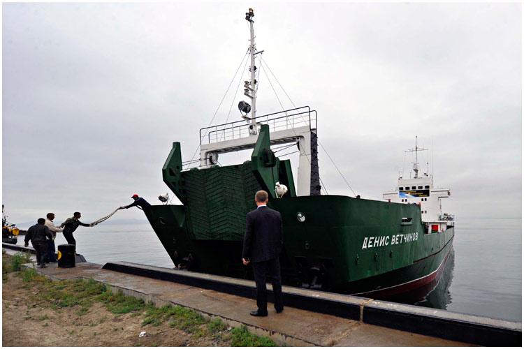 paz-ships-08-2013-06