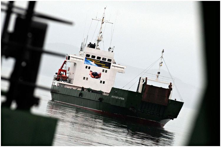 paz-ships-08-2013-02