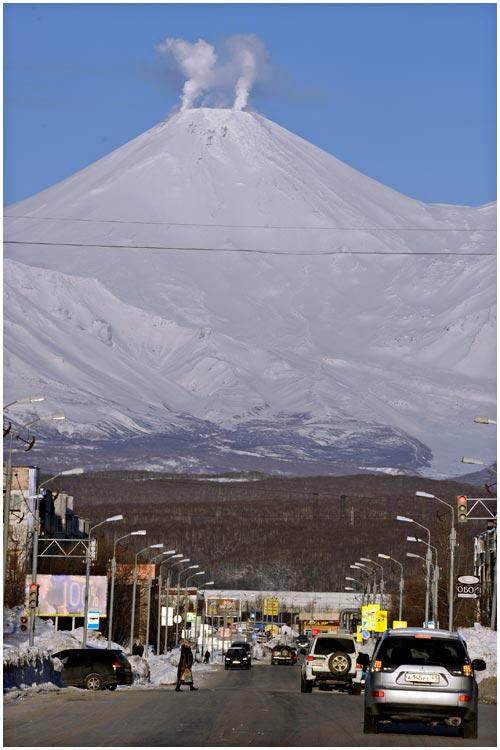 avacha-volcano-01-2014-01
