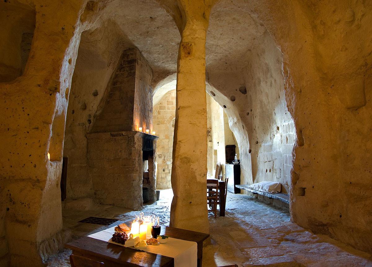 cave-hotel-sextantio-le-grotte-della-civita-03