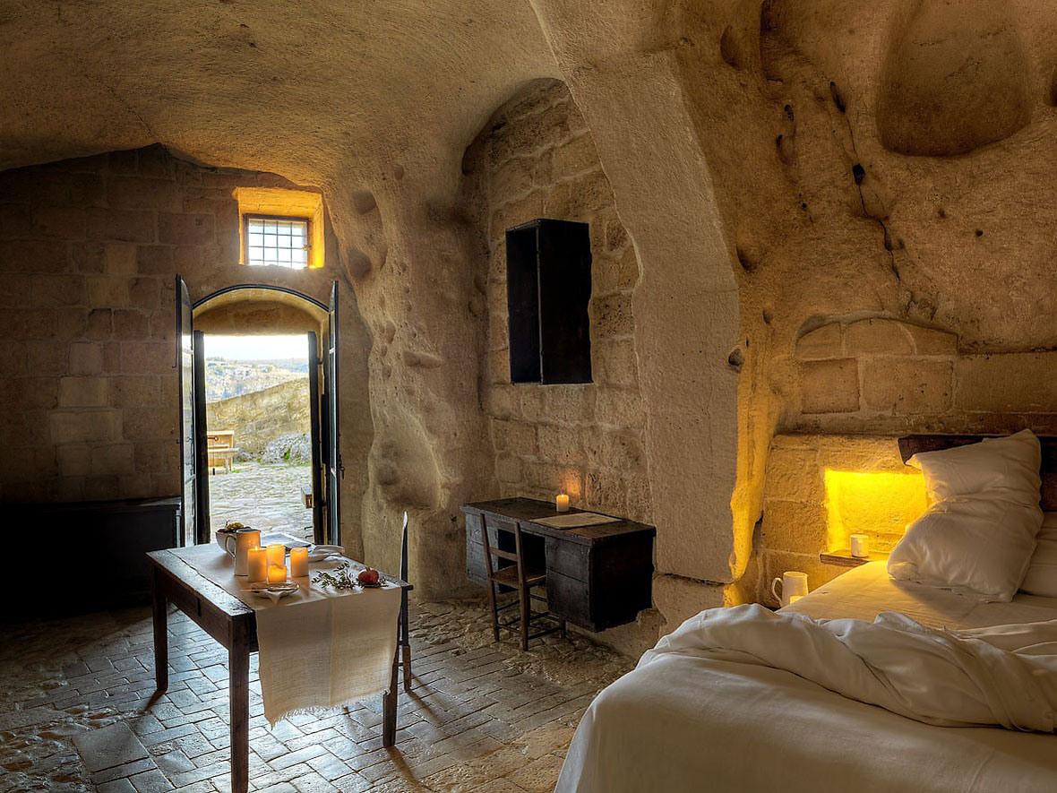 cave-hotel-sextantio-le-grotte-della-civita-04