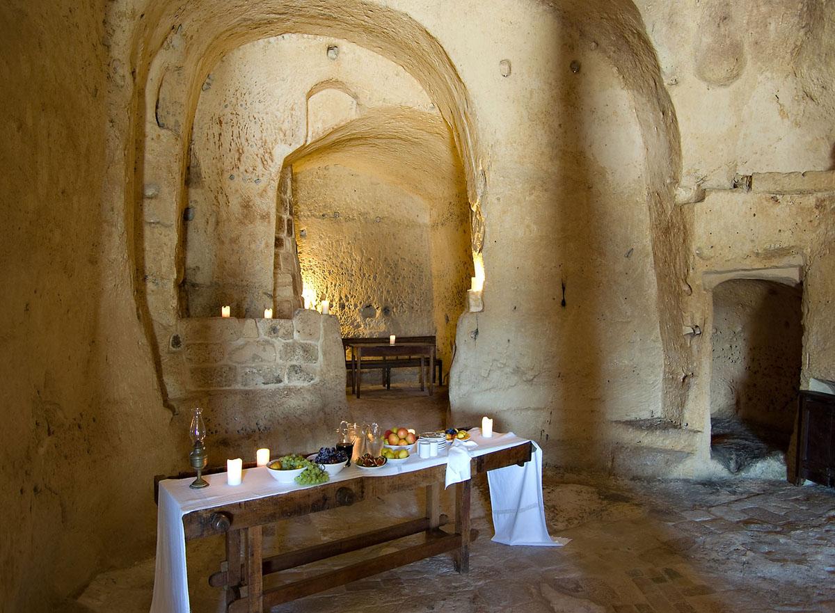 cave-hotel-sextantio-le-grotte-della-civita-05