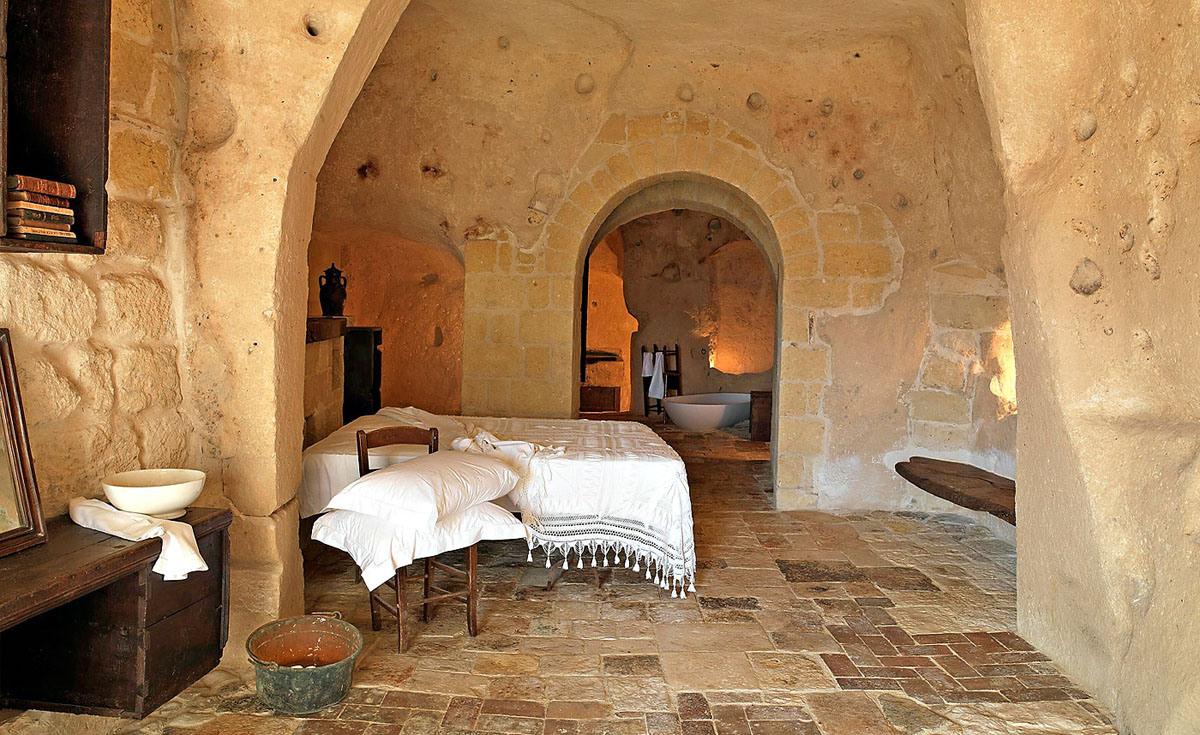 cave-hotel-sextantio-le-grotte-della-civita-06