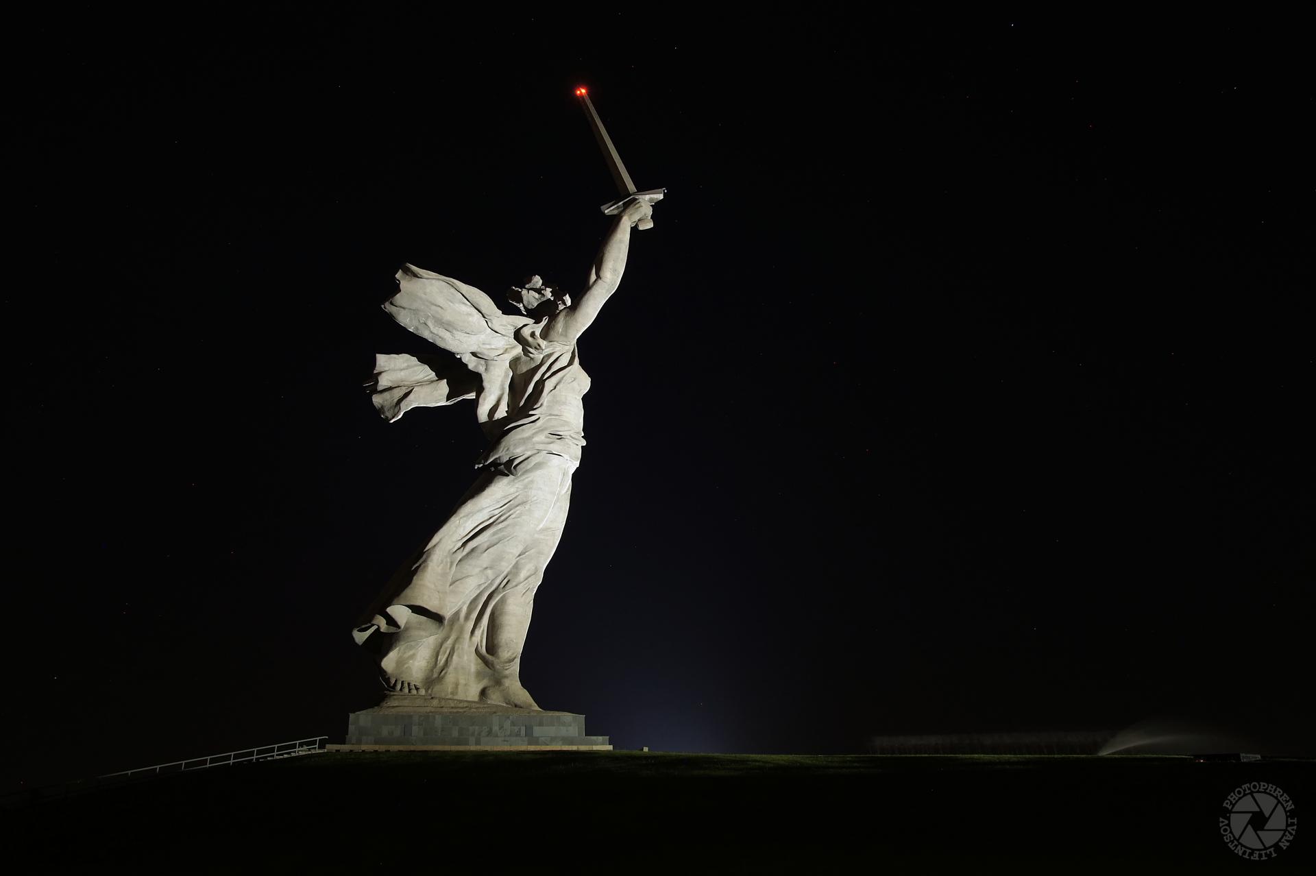 ночной Волгоград (1).jpg