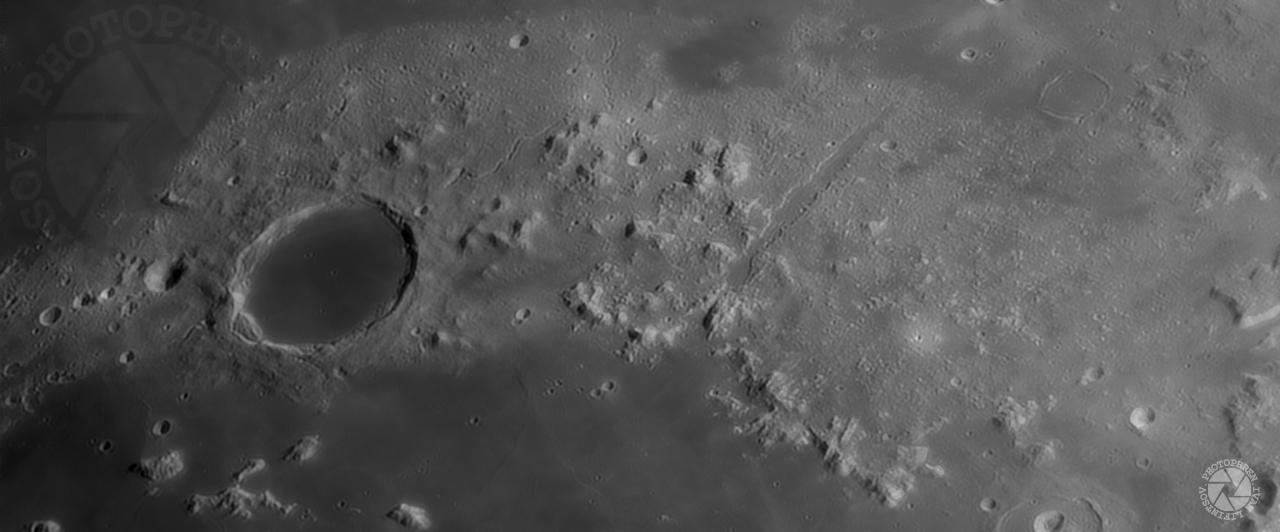 Луна платон Альпы.jpg