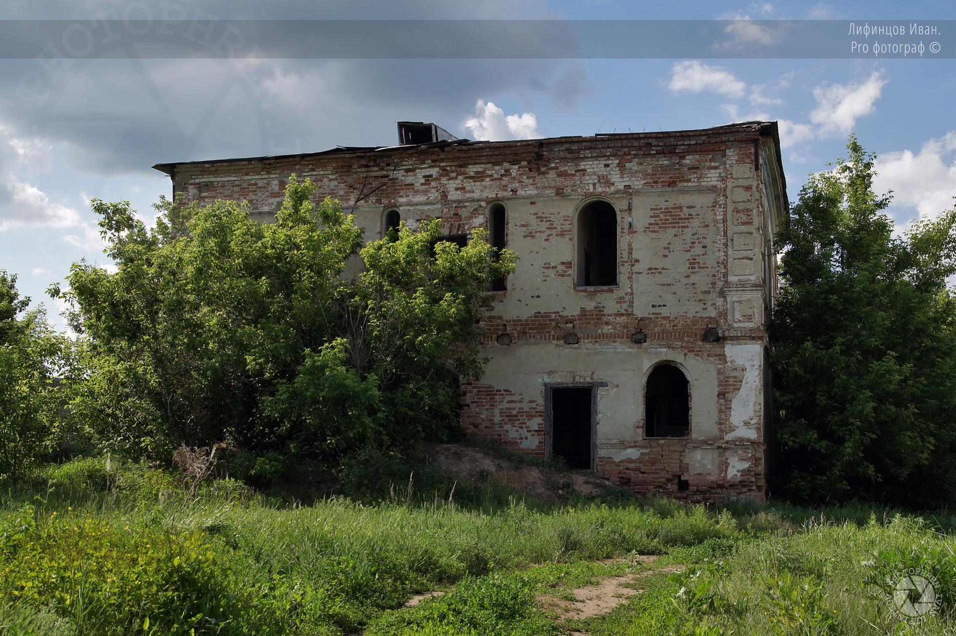 Николо-Сретенский храм Орехово (1).jpg