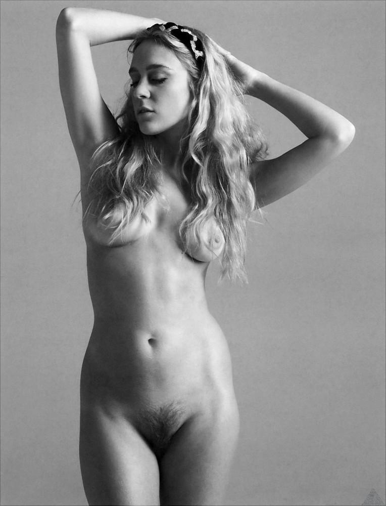 Chloe sevigny tits and pussy #1