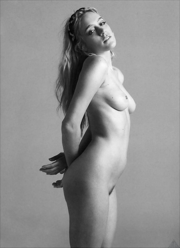 Chloe sevigny tits and pussy #11