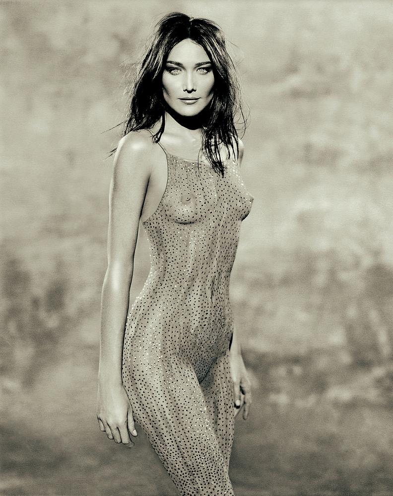 Carla Bruni Naked A Tit Job