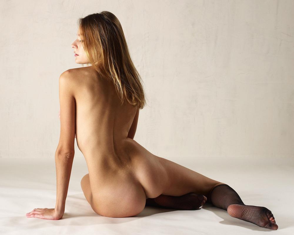 golie-nogi-szadi