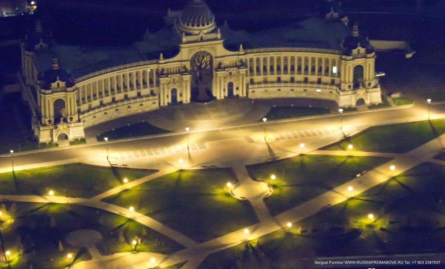 Ночной полет над Казанью. Очень красиво!