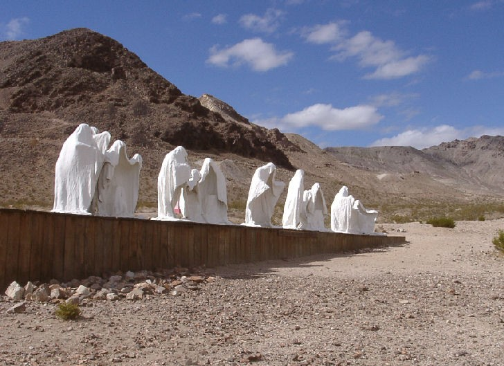 THINGS TO SEE IN NEVADAS RHYOLITE GHOST TOWN - Life Beyond The Wire
